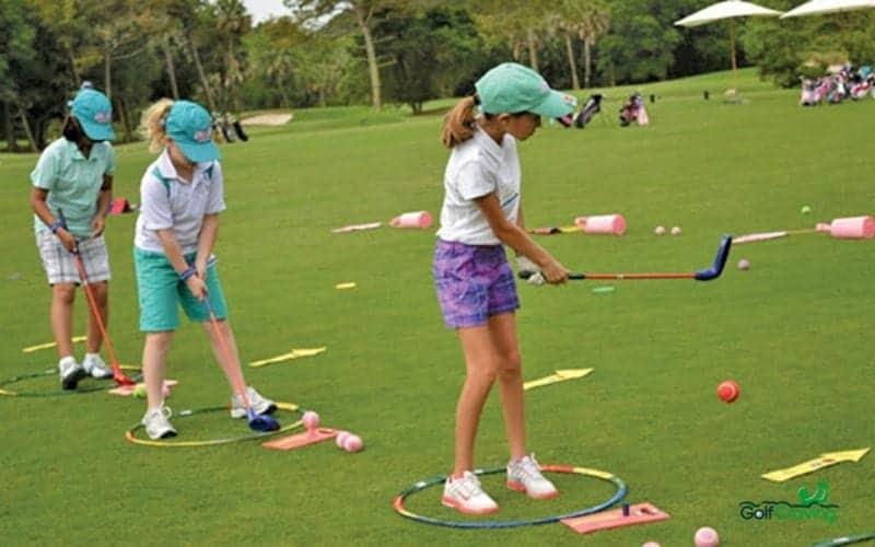 junior golf tournaments play